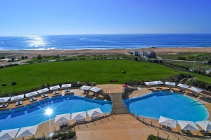 Crowne Plaza Vilamoura pool view