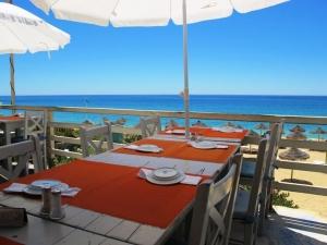 Izzy's Beach Bar and Restaurant, Algarve