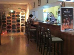 Lennon's Bin Restaurant and Bar, Almancil