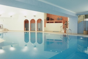 Quinta do Lago Country club inside swimming pool