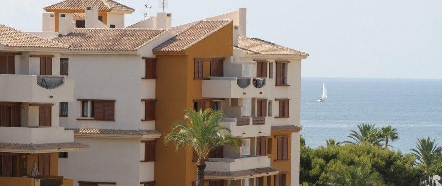 Talyor Wimpey homes at La Recoleta, Punta Prima, Torrevieja, Alicante
