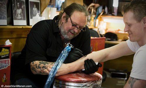 Amsterdam tattoist Hank Schiffmacher