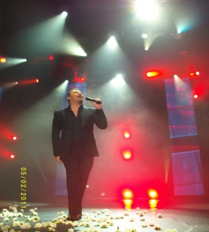 Antonis Remos performing live