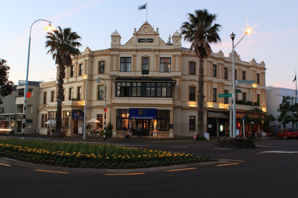 The Esplanade Hotel, Devonport