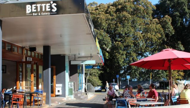 Bette's Bar and Eatery