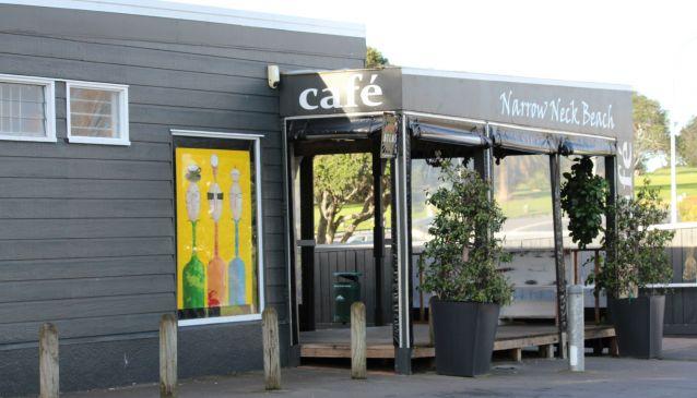 Narrow Neck Beach Cafe