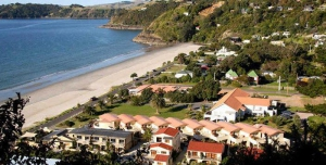 Onetangi Beach Apartments Waiheke