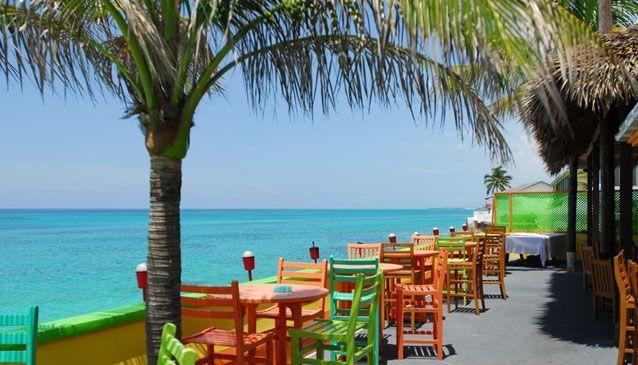 Tourist maven Compass Point, Nassau, Bahamas