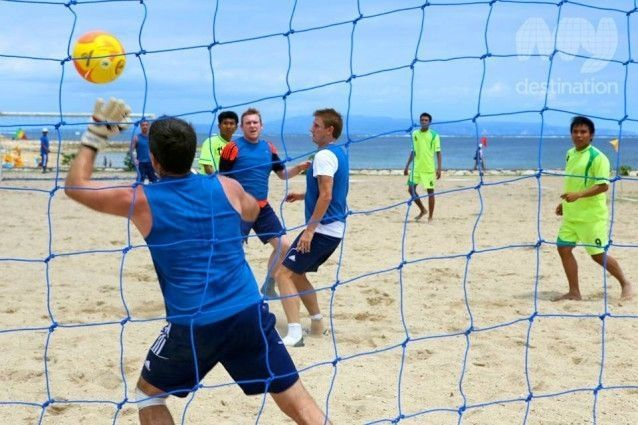5-a-side soccer on the beach