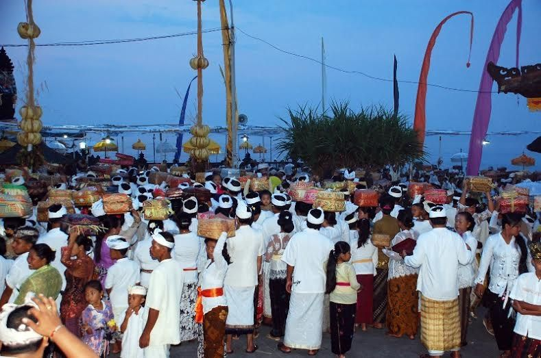 Balinese Hindu faithful gather for ceremonies