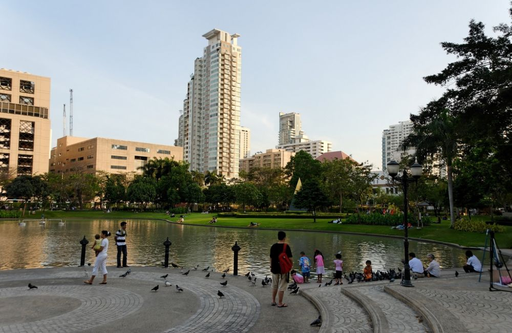 Benjasiri Park by Hartfried Schmid