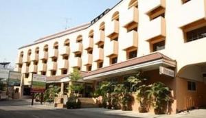 Ratchada Resort and Spa Hotel
