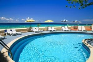 Ocean view & pool