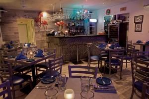 Jules Restaurant & Bar
