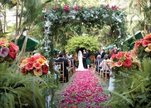 A tropical wedding scene at Fisherpond