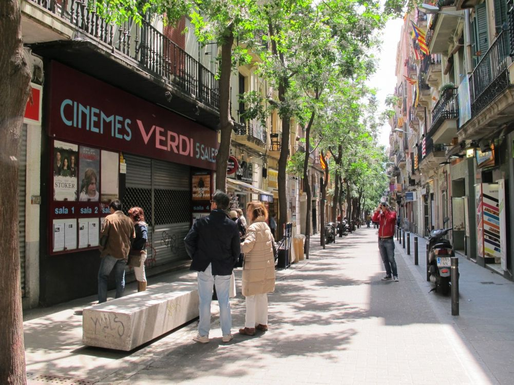 Gràcia district - Cinemas in Original Language - Verdi Street