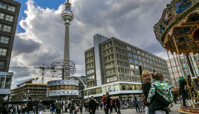 Alexanderplatz Shopping District