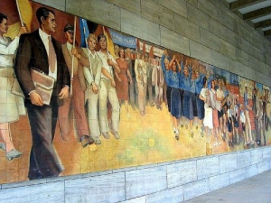 18m long mural depicting the joys of Communism by artist Max Lingner ©Insider Tour