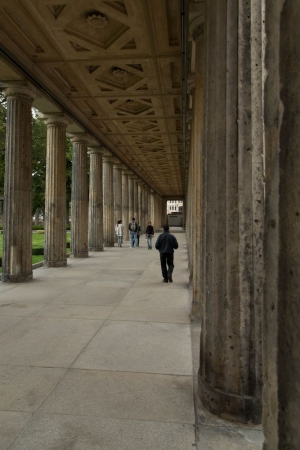 Columns in front of the Neues Museum
