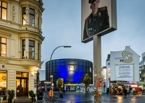The Asisi Panometer at Checkpoint Charlie ©Asisi (Photographer: Norbert Michalke)