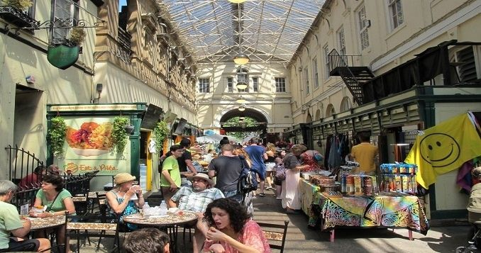 St Nicolas Market