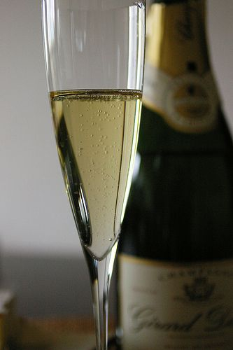 Add a glass of Champagne. (By titanium22 http://www.flickr.com/photos/nagarazoku/118038908/)