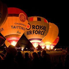 Balloon Night Glow. Credit Flickr: Richard Stowey