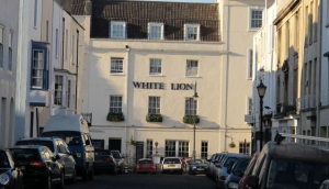 White Lion Bar