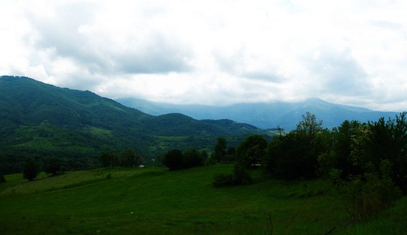 Mountains around Varshec