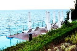 Black Sea Coast - the Entertainment Centres and the Luxury Resorts