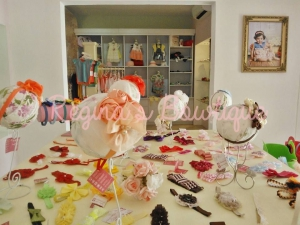 Accesories, dresses and headbands
