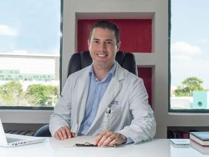 Dr. Carmona