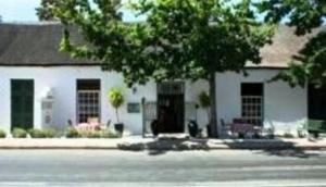Four Oaks Guest House