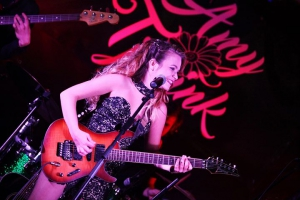 Amy Tjasink & Full Band LIVE at CAFE ROUX