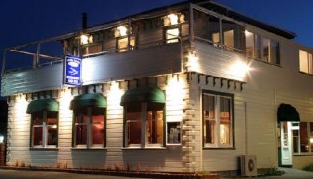 White Morph Restaurant