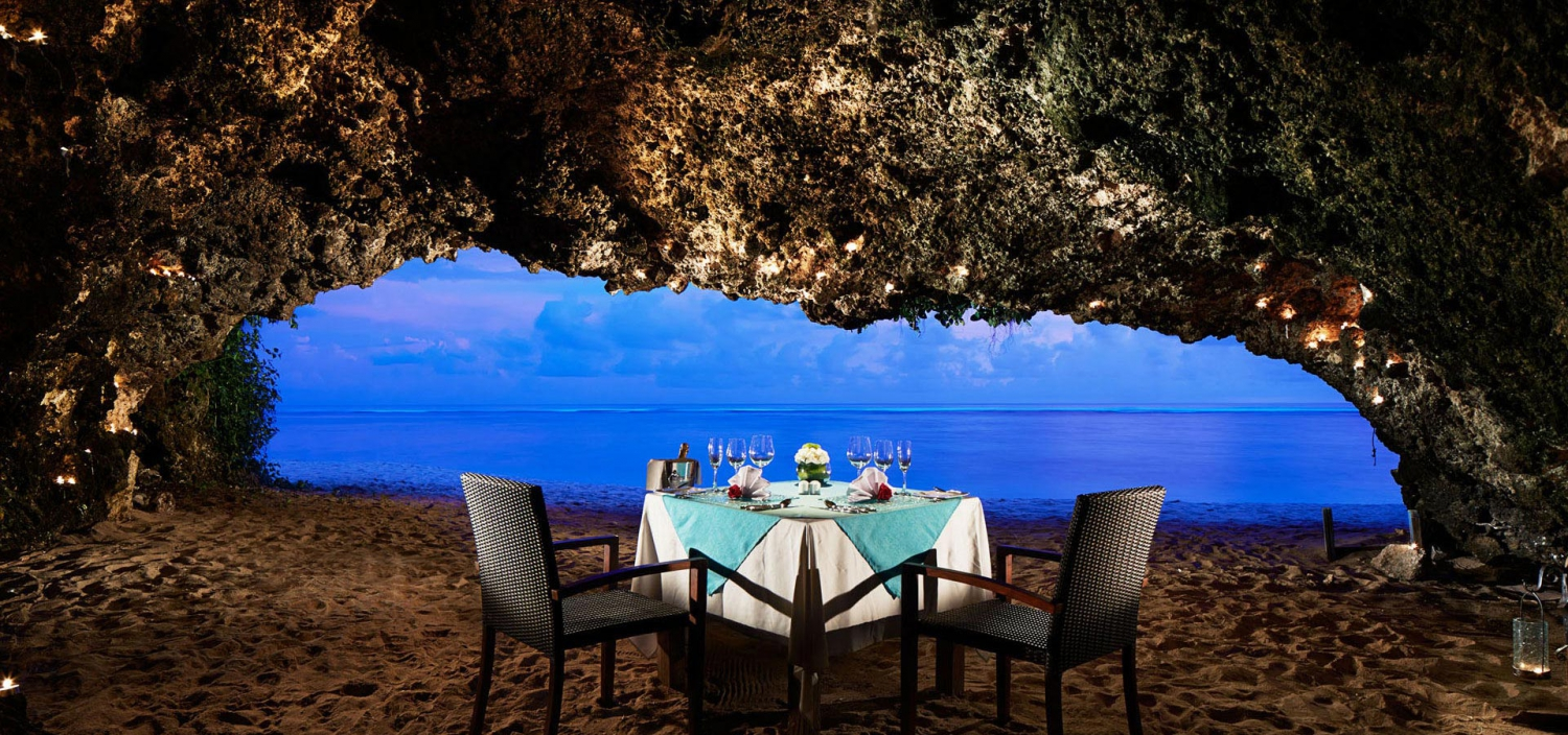12 Best Romantic Dining Experiences in Bali