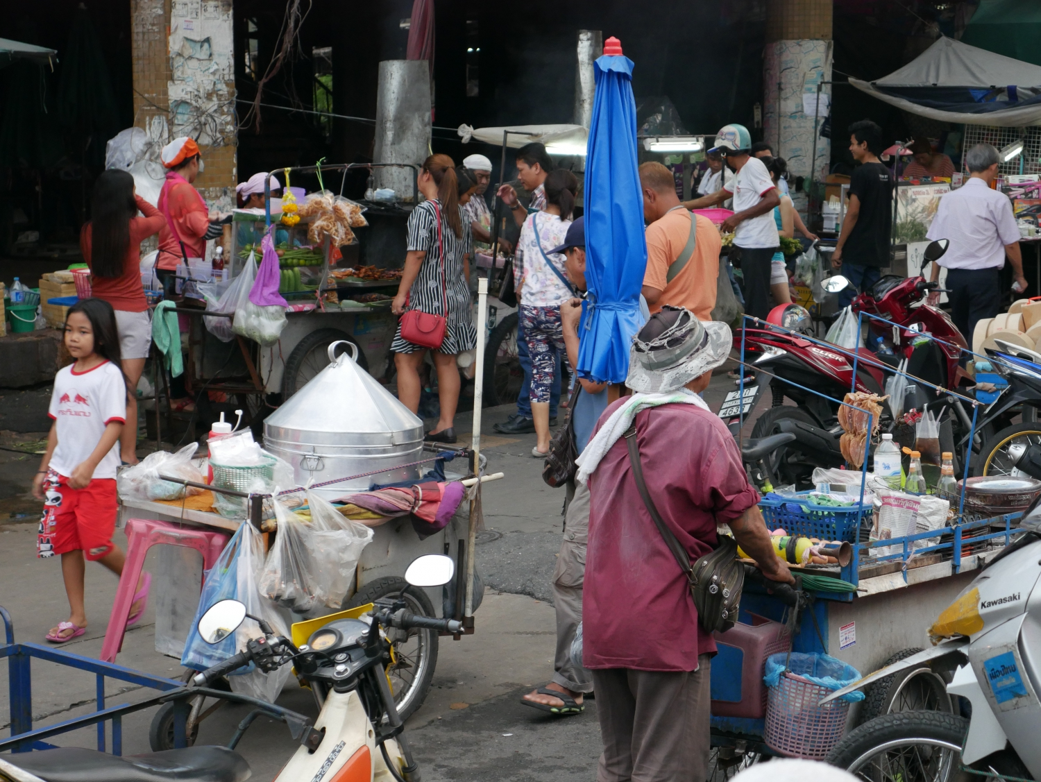 stay away from the vendors who sit streetside all day