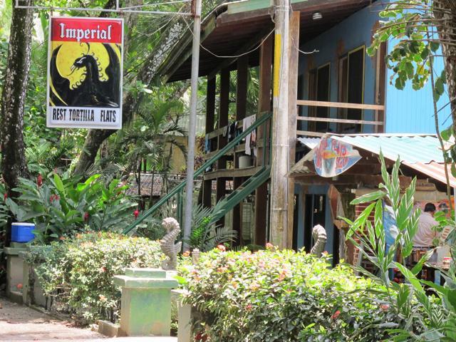 Tortilla-Flats-Hotel-Dominical