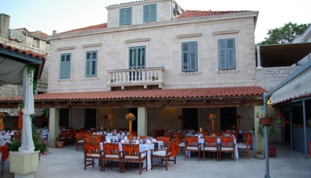 Aborda Restaurant
