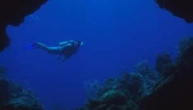 S 57 Freaky Diving