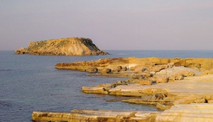 4. The little church at Ayios Giorgios and the legend about love