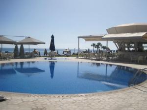 Polyxenia restaurant & swimming pool
