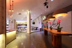 Lush Beach Bar Resto
