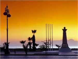 Finikoudes at dawn - Larnaka Regional Tourism Body
