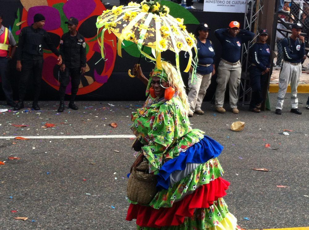 Roba la Gallina character, Santo Domingo Carnival Parade