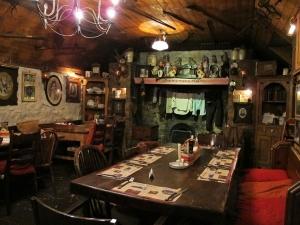 Johnnie Fox's - The Pig House