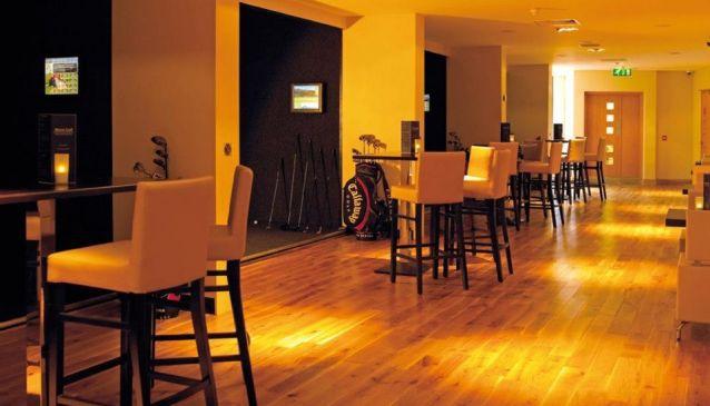 Metro Golf Indoor Golf Lounge & Bar