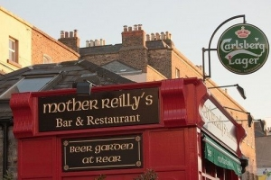 Uppercross House Hotel - Mother Reilly's Bar & Restaurant