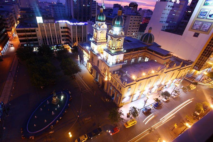 Guayaquil Plaza San Francisco (photo credits: Ministerio de Turismo)
