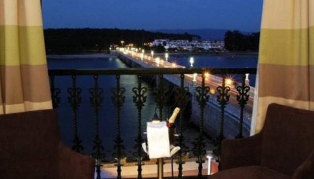 Puente de la Toja Hotel
